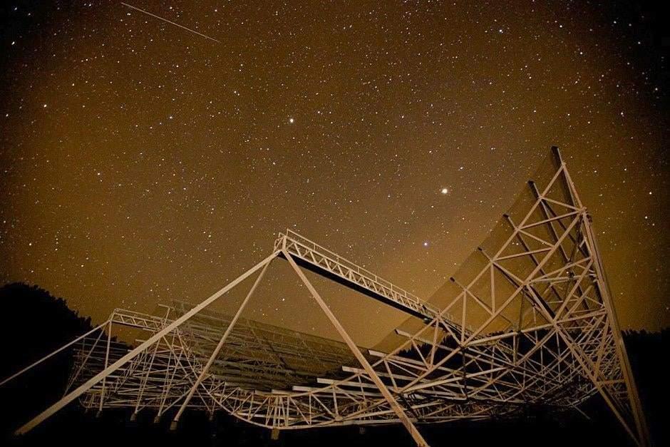 uzaydan gelen radyo sinyali