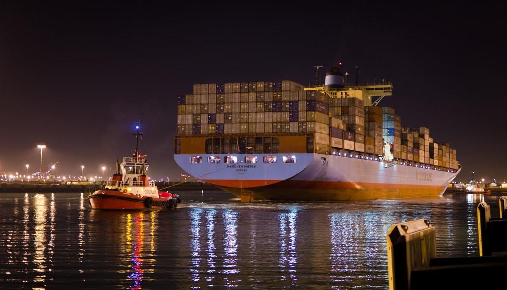 Her yıl 10.000 kadar konteynırın gemilerden denize düştüğü tahmin ediliyor. Bu da diğer gemiler için çok tehlikeli olabilir.